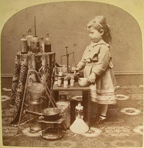 La piccola farmacista, da uno stereogramma di J.A. French Keene N.H.